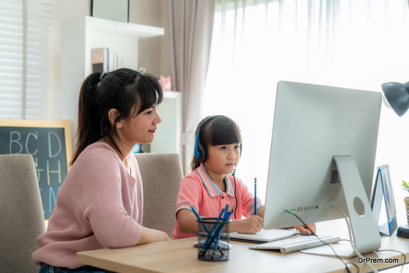 Child-attending-Online-Voice-Lessons